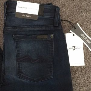 NWT Women's 7 For All Mankind Jeans. Size 28